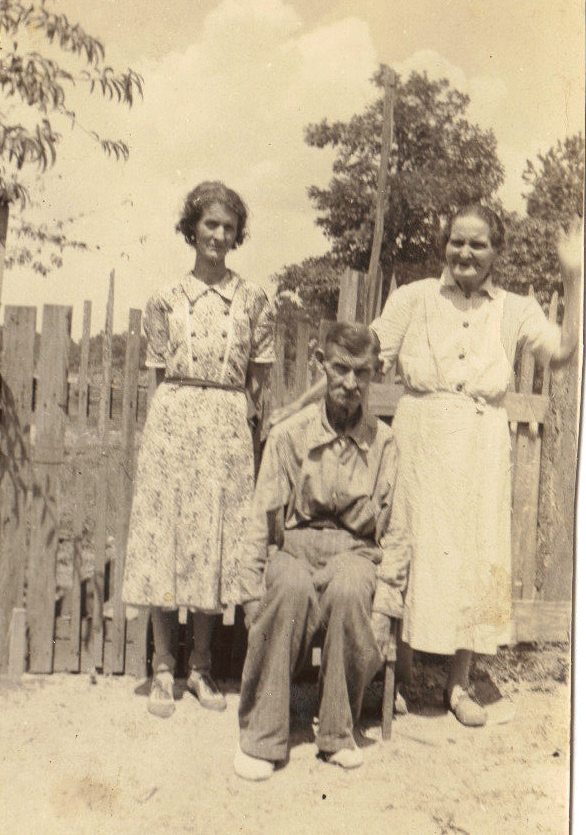 L to r: Eler Capps, John Henry Capps, Frances Amanda Collins Capps. Eler was the older sister of Addie Capps. The firstborn child of John Henry and Frances Amanda Collins Capps, Eler contracted scarlet fever at 8 months, which left her deaf.