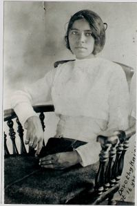 Rachel Dorothy Knight, daughter of Mat Knight (son of Newt and Serena) and Fannie Knight (daughter of Jesse Davis and Rachel Knight). Collection of Ardella Knight Barrett.